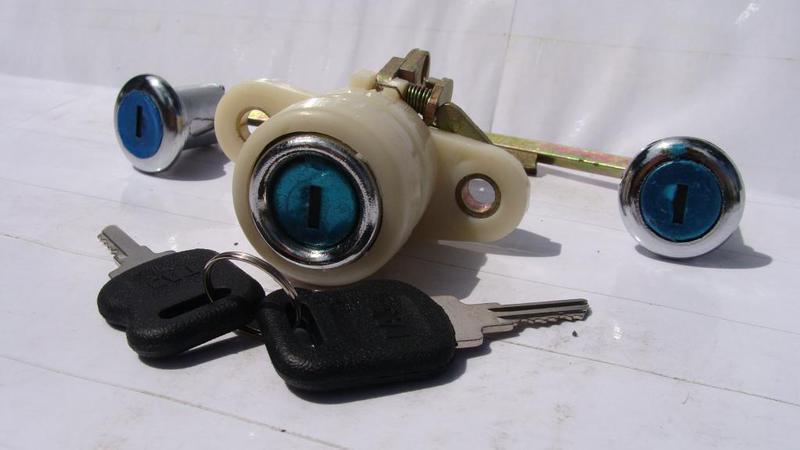 Замки дверей и багажника Волга 3110 3 замка +2 ключа (пр-во Россия) - фото